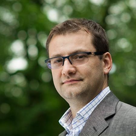 Dr n. med. Paweł Lis